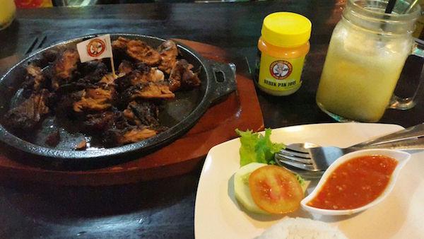 Bebek Oven dengan Sambak Balado dan minuman mangga lychee yang segar