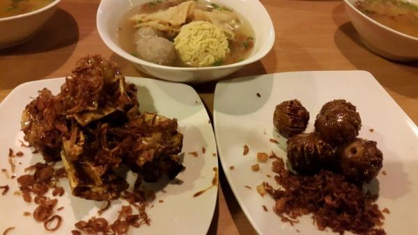 Mengapa ya bakso bakar bisa menjadi salah satu ikon kuliner kota Malang?