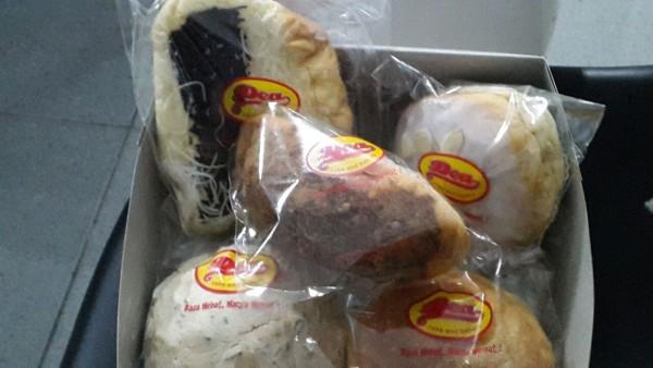 Dea Bakery, banyak pilihannya dan harganya terjangkau